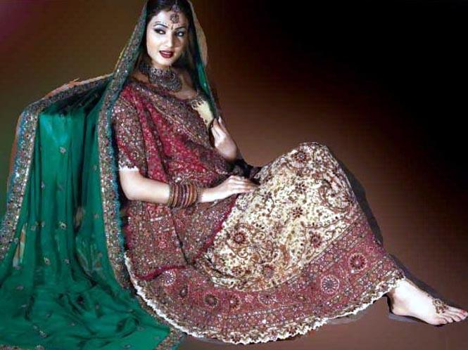 Indo Western Clothes Sarees Lengha Salwaars Jewelries
